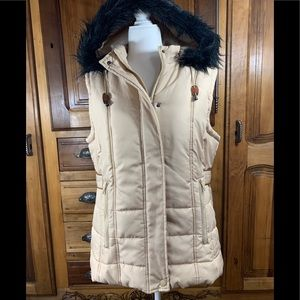 Sporto Quilted Vest with Faux  Fur Trimmed Hood